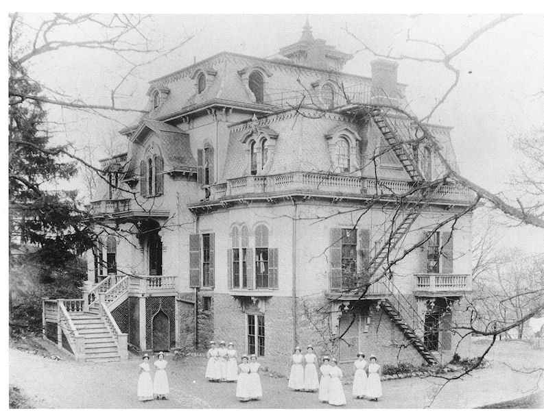 Union Hospital when it was located at the Tapley Estate on Pine Hill