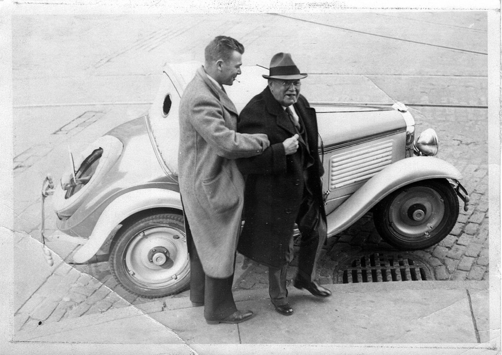 Peter Gamage, left, and Charles H. Hastings, in 1937.